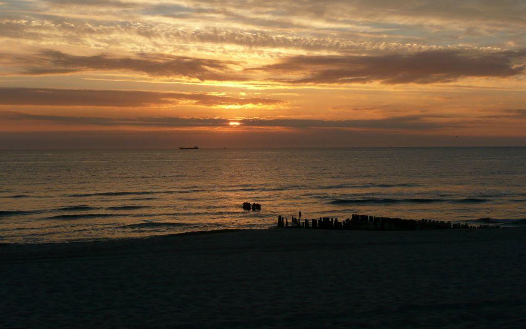 Sylt Sonnenuntergang 16x10